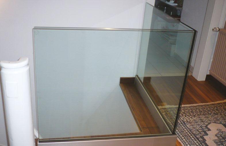 barandilla de vidrio con paneles de interior para escalera cristal origine at inox