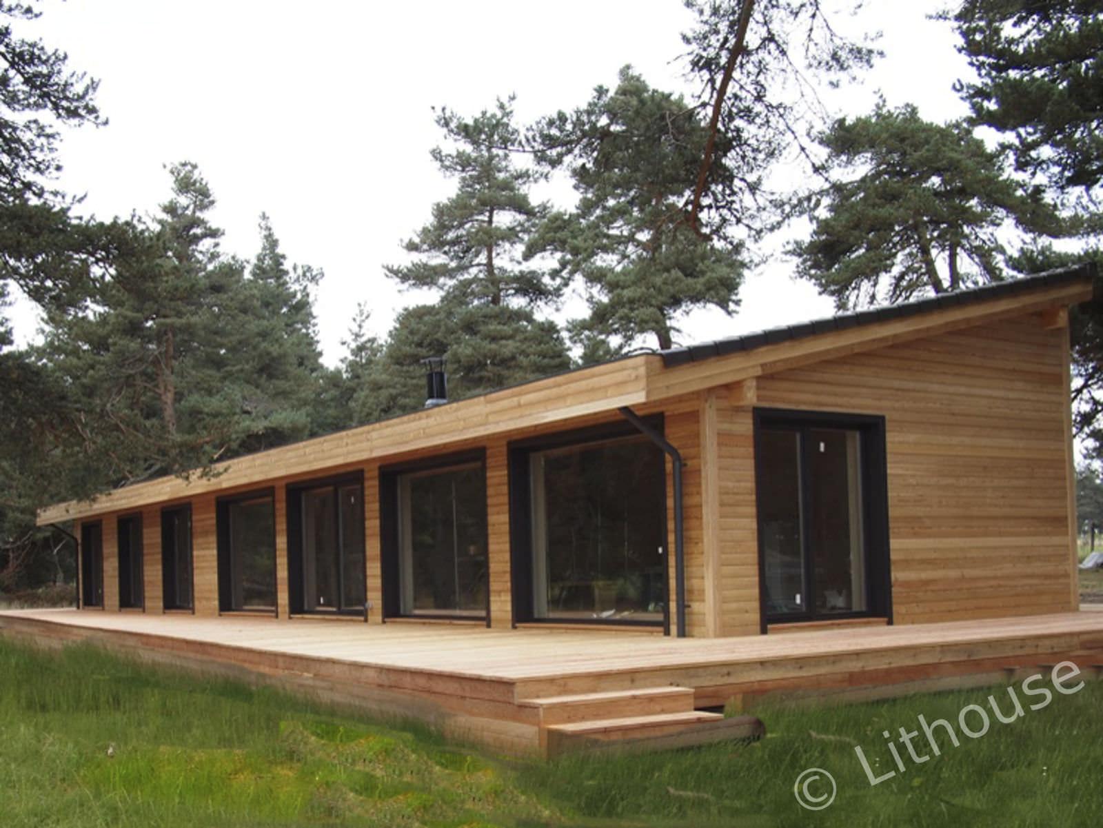 Casa prefabricada / moderna / de leña / con armazón de madera - FLO ...