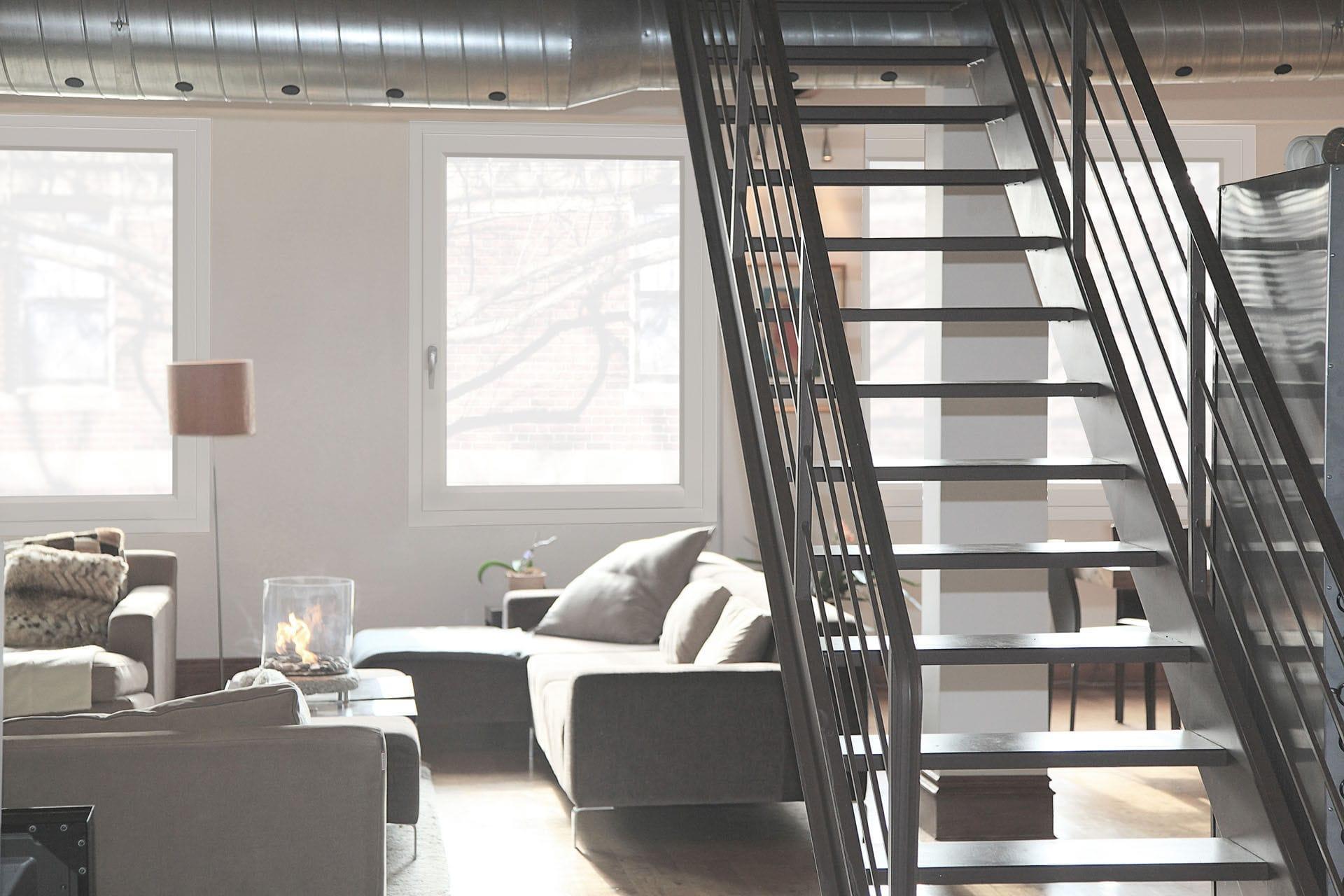 Ventana abatible / de madera / de aluminio / con vidrio doble - CITY ...