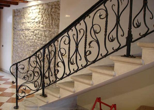 Barandilla de hierro forjado con barrotes de interior - Escaleras hierro forjado ...