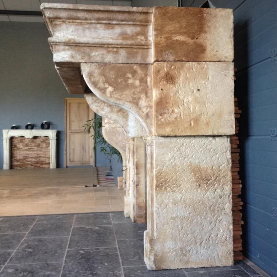 de chimenea luis xiii de piedra de cara bca materiaux anciens