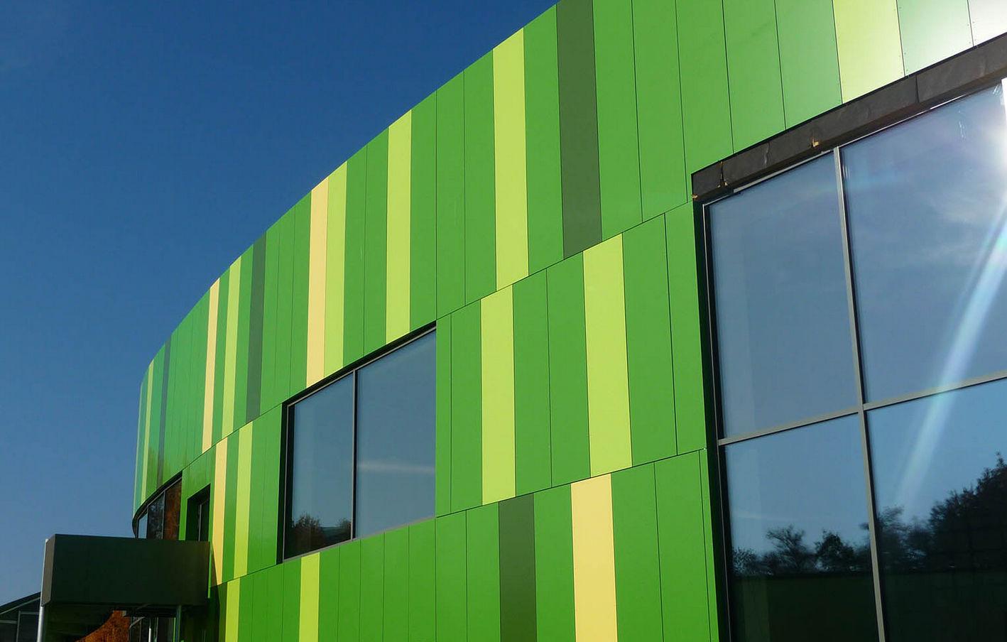 de fachada de material compuesto de aluminio liso de panel bambados