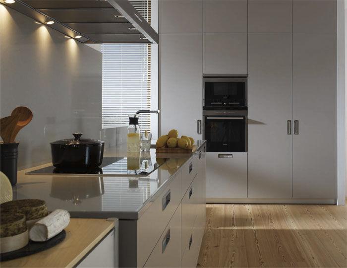 Cocina moderna / de material laminado / lacada / mate - SEDA - SANTOS