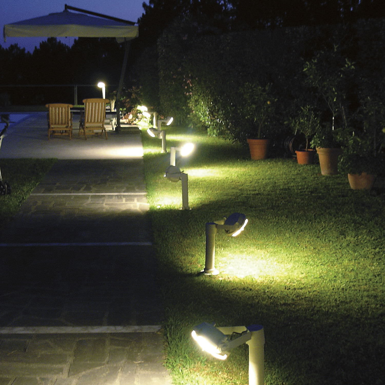 bolardo de iluminacin para jardn moderno de acero led sistema out cod by elio martinelli