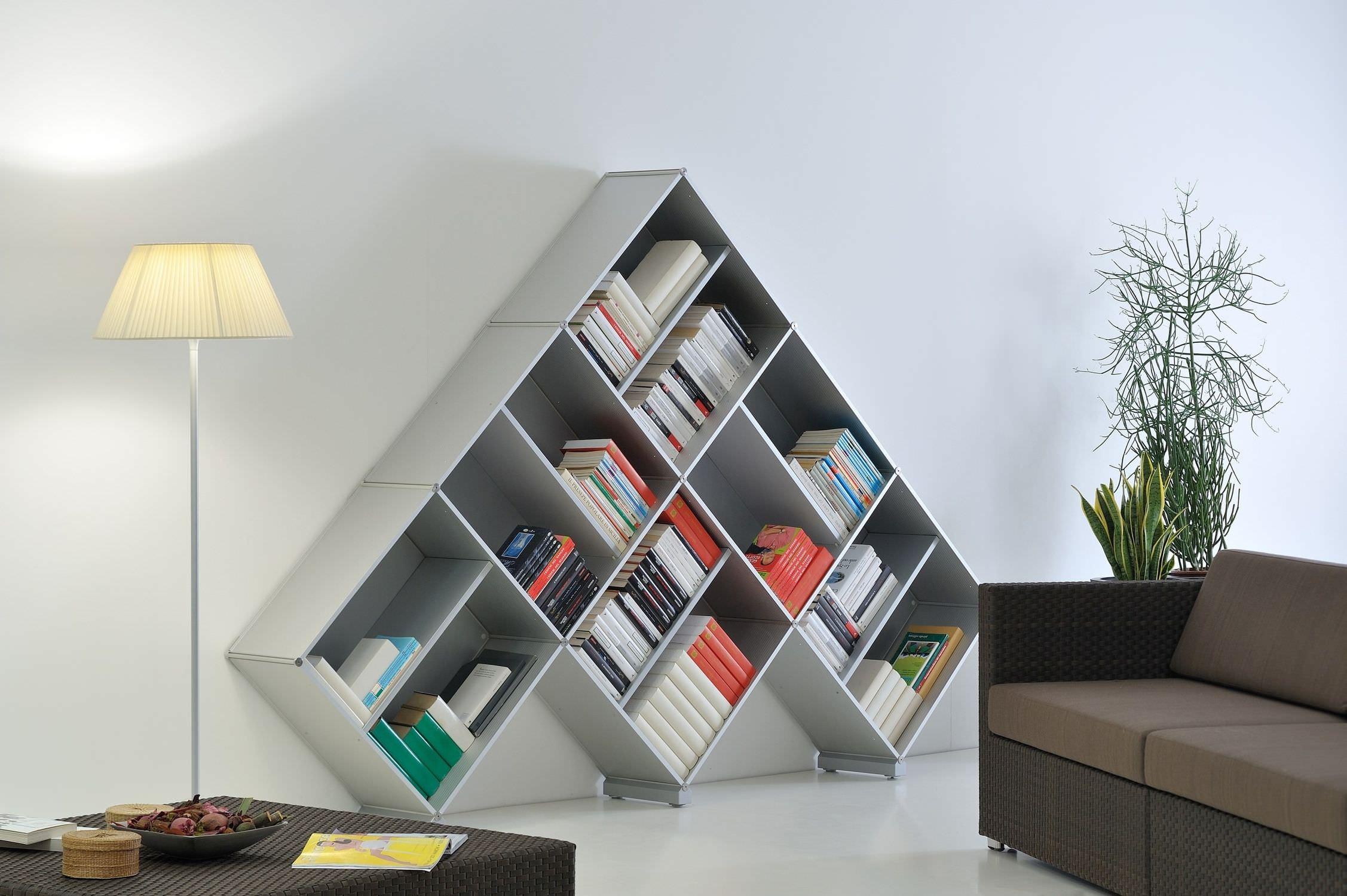 Biblioteca De Dise O Original De Metal Pyramid_03 Fitting # Muebles Novedosos