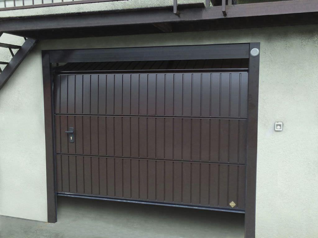 Puerta de garaje seccional / de aluminio / automática - PEGASO DOGA ...