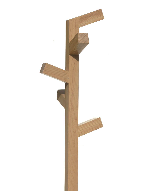perchero de pie moderno de madera organica 2 insilvis