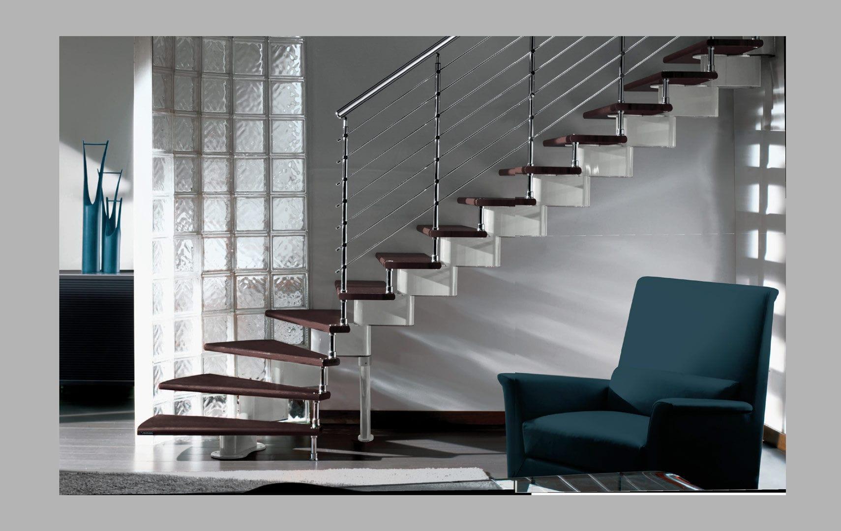 Escalera En L Con Pelda Os De Madera Estructura De Metal Sin  ~ Materiales Para Peldaños De Escaleras Interiores