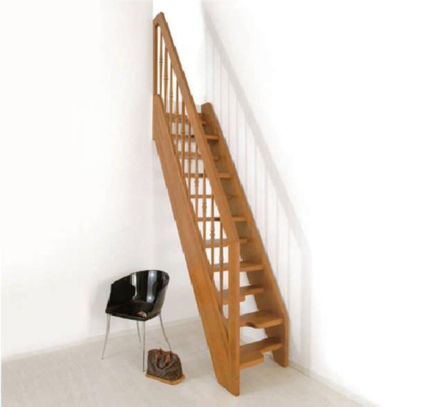 Escalera recta / estructura de madera / con peldaños de madera / sin ...