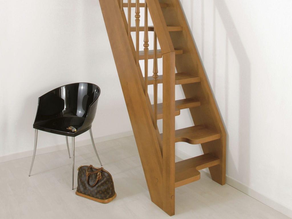 Escalera Recta Con Pelda Os De Madera Estructura De Madera  ~ Escaleras Prefabricadas De Madera