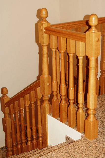 barandilla de madera de de interior para escalera aragon