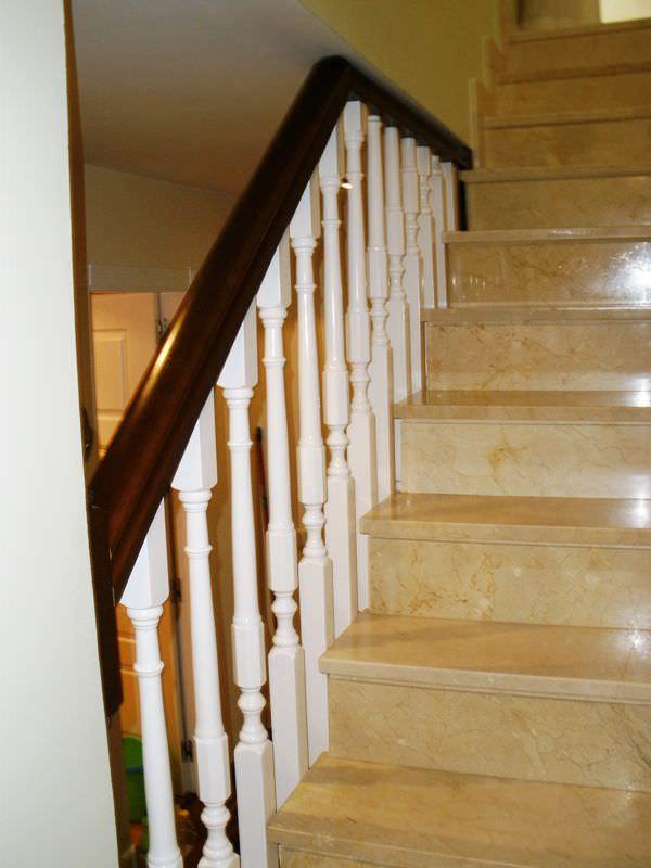 barandilla de madera con barrotes de interior para escalera c escaleras yuste