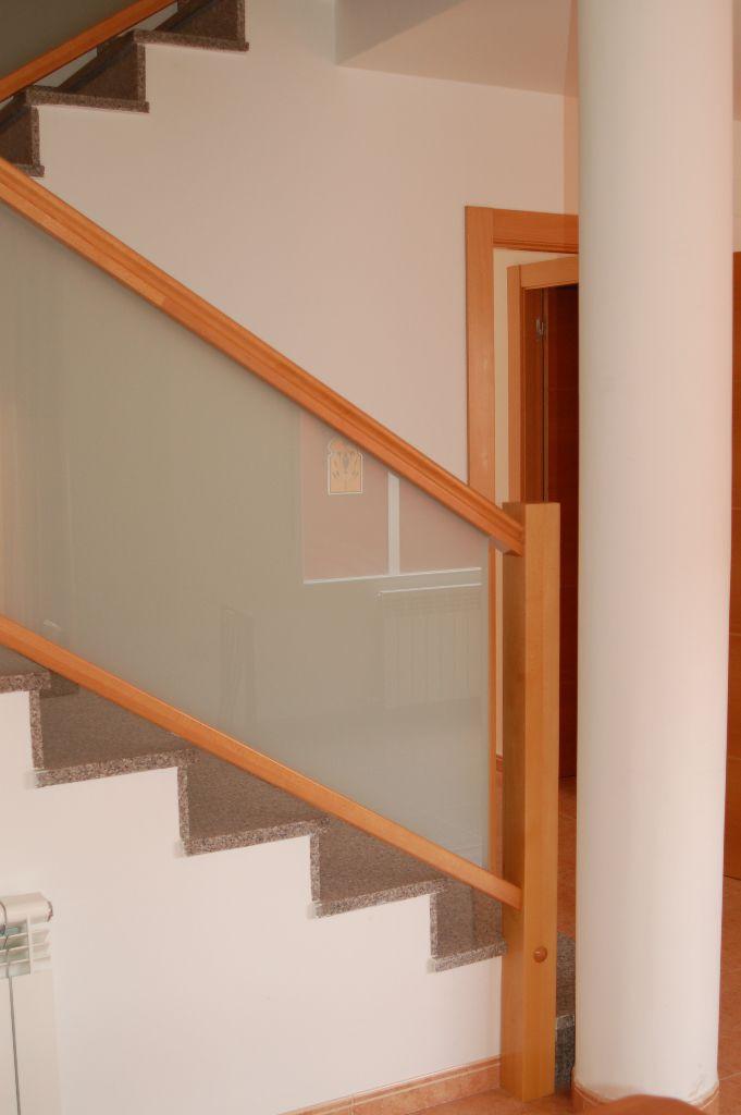 barandilla de vidrio con paneles de interior para escalera translucent escaleras yuste