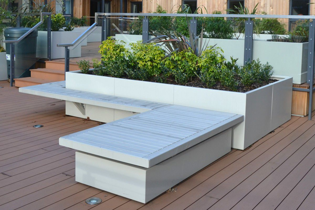 jardinera de metal rectangular moderna para espacio pblico stratum street design