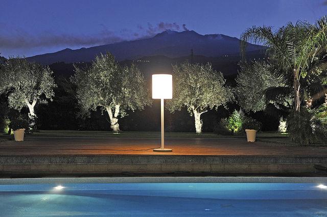 Lámpara de pie / moderna / de hormigón / de aluminio - GINEVRA ...