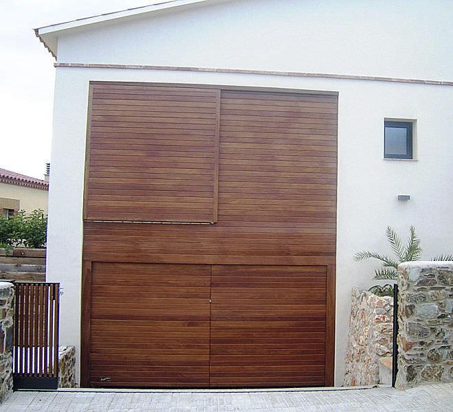 Puerta De Garaje Seccional De Madera Maciza Automatica Angel