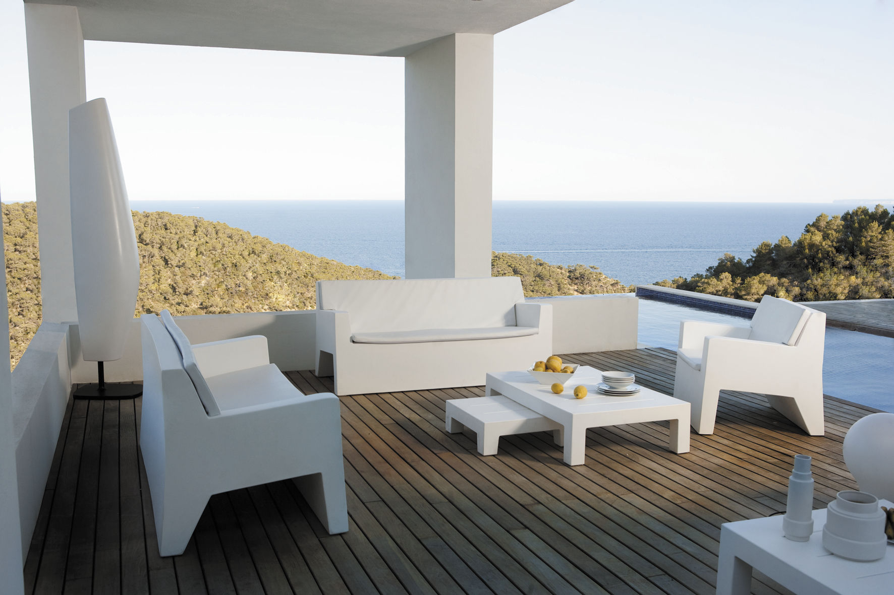 Sofá moderno / de jardín / de polietileno / 2 plazas - JUT - VONDOM