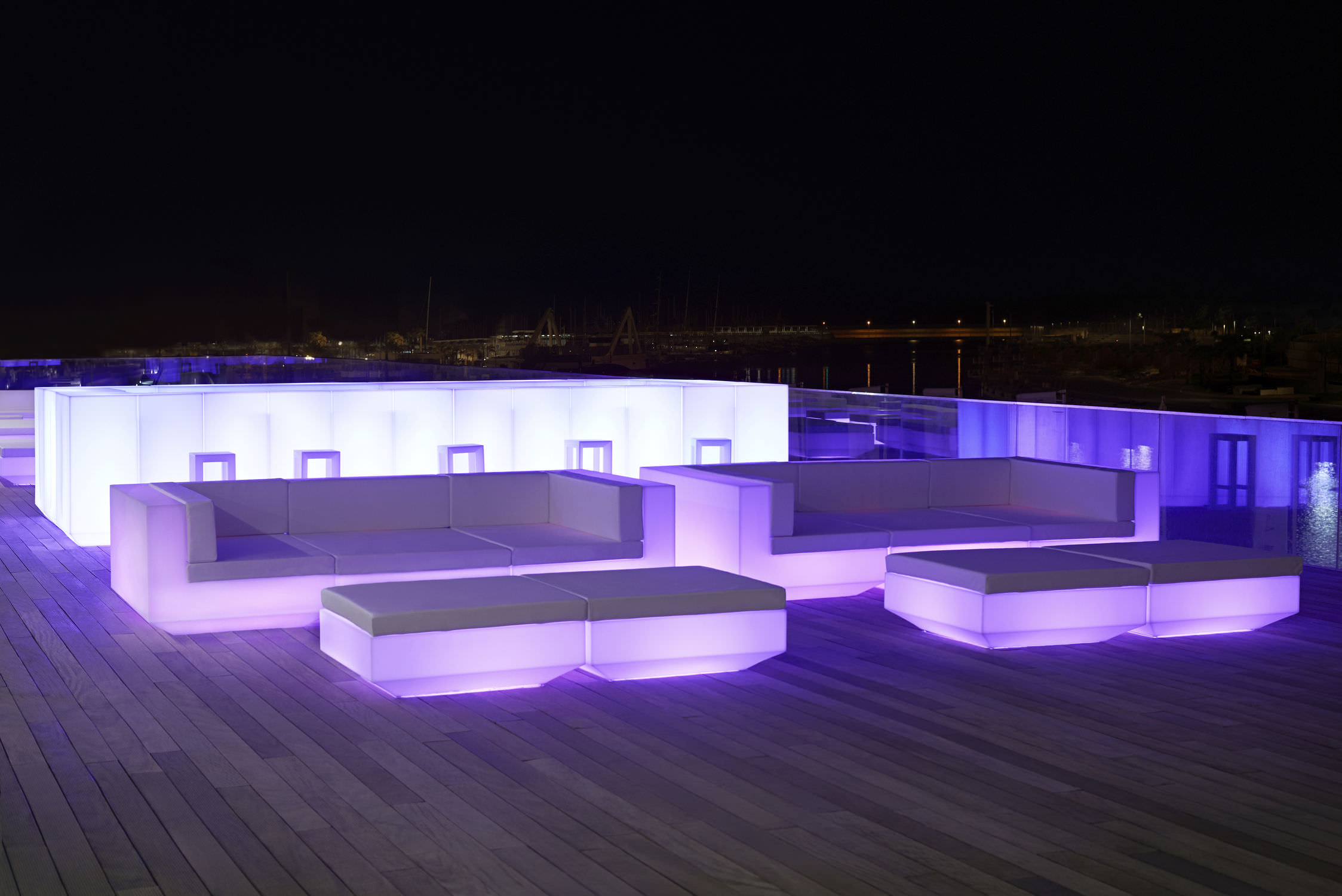 Bar de jard­n luminoso VELA by Ramon Esteve VONDOM V­deos