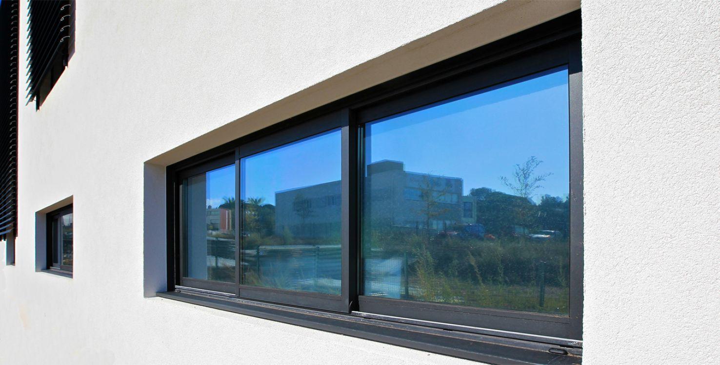 Ventana corredera / de aluminio / con vidrio doble / de corte ...