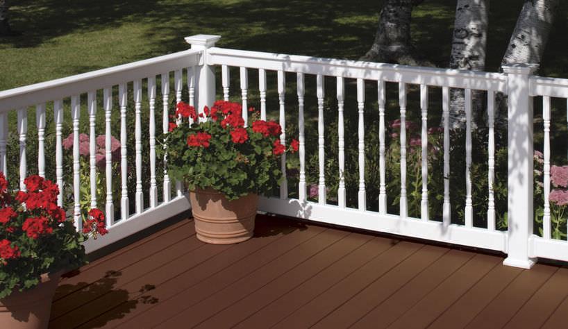 Barandilla de PVC / con barrotes / de exterior / para terraza ...