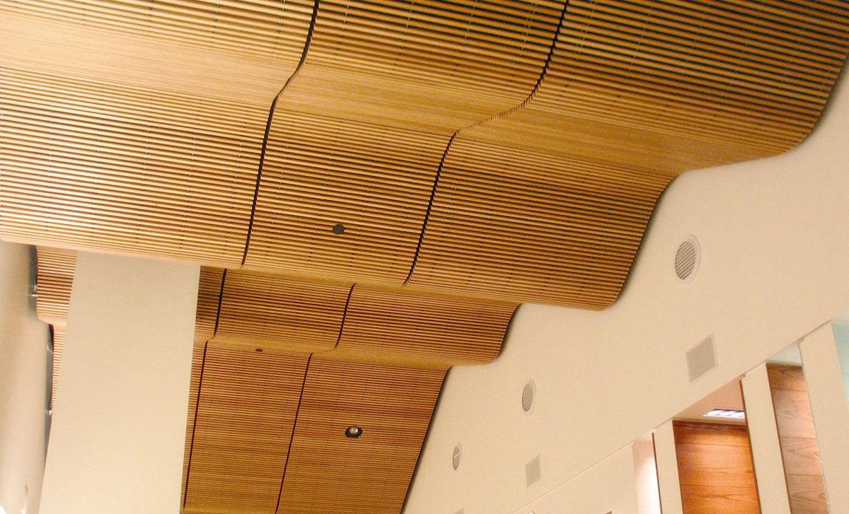 falso techo de madera tipo panel
