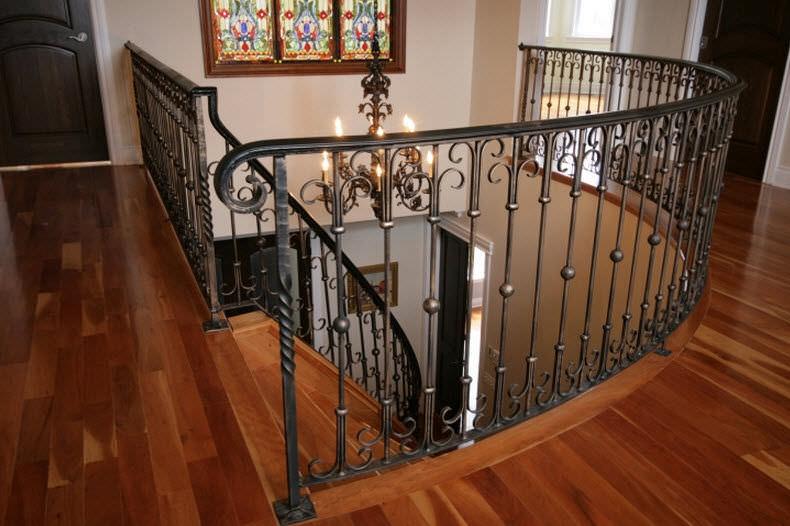 barandilla de hierro forjado con barrotes de interior para escalera vertical by