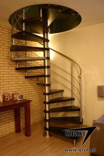 Escalera de caracol / estructura de metal / con peldaños de madera ...