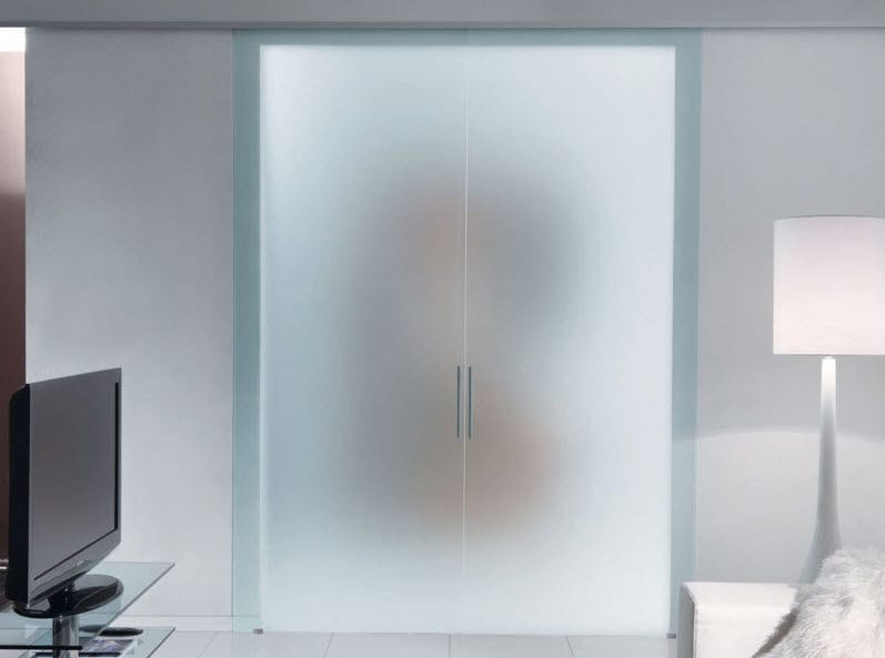 puerta de interior corredera de aluminio de vidrio templado fantomas unico