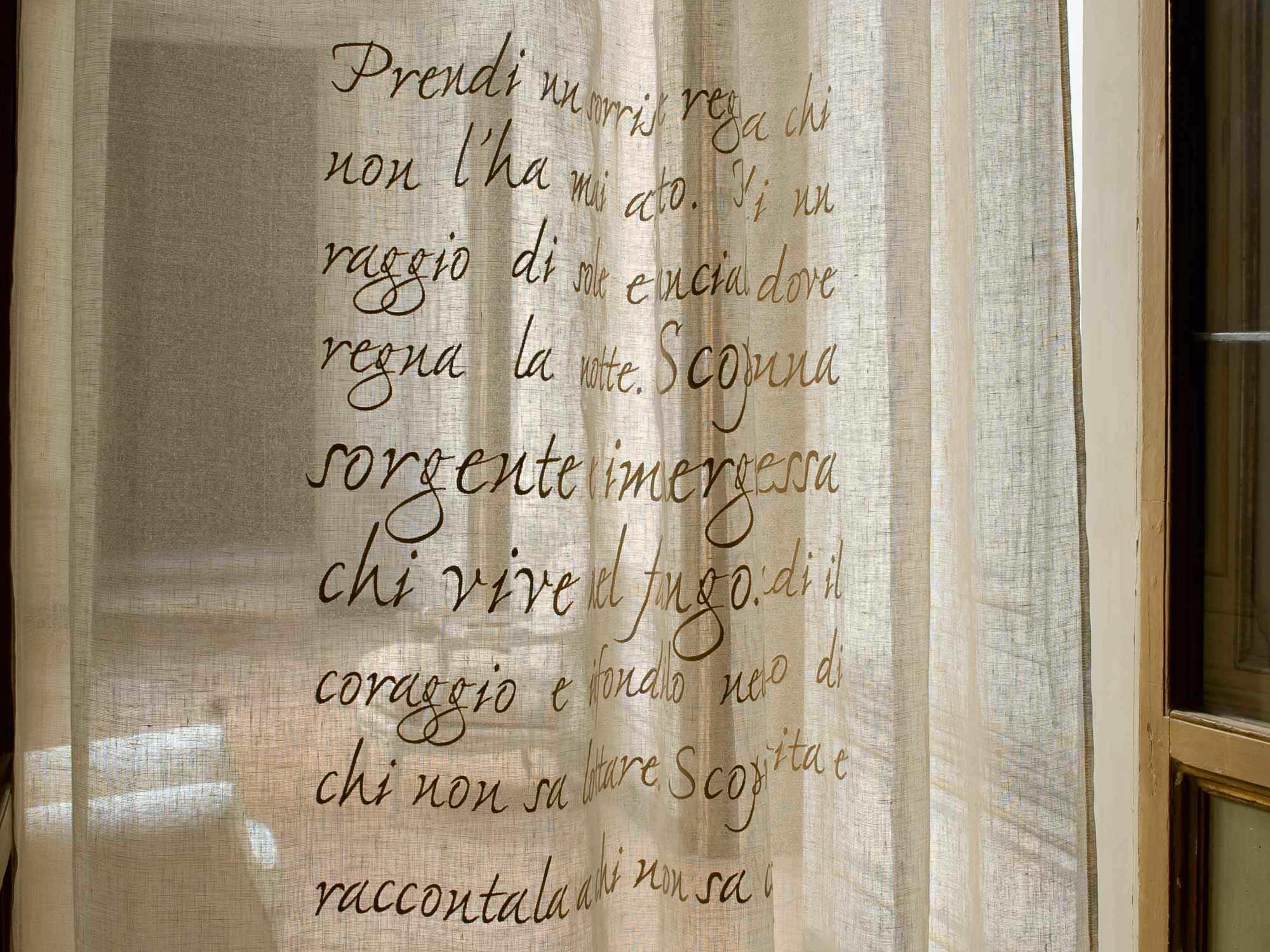 tela para cortinas con motivos de lino gandhi mastro raphal