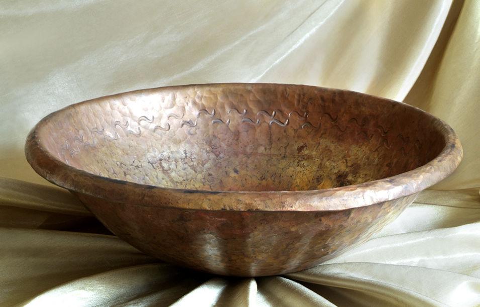 lavabo sobre encimera redondo de bronce de cobre maestri ramai e delle fusioni