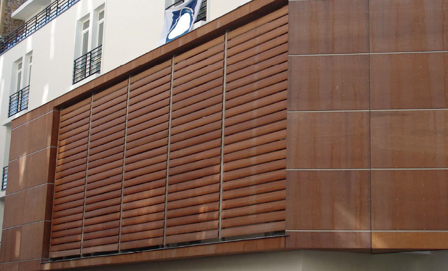 Celosía con lamas de madera / para fachada / vertical - EQUATEUR ...