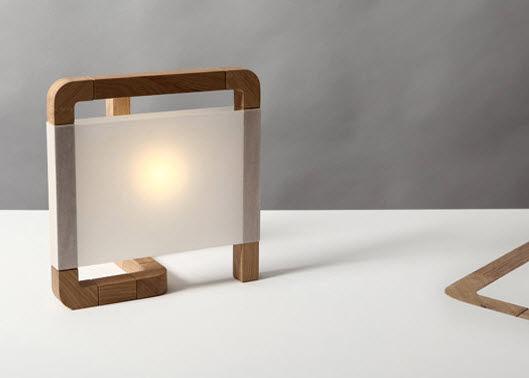 Lámpara de mesa / de diseño original / de madera maciza / de ...