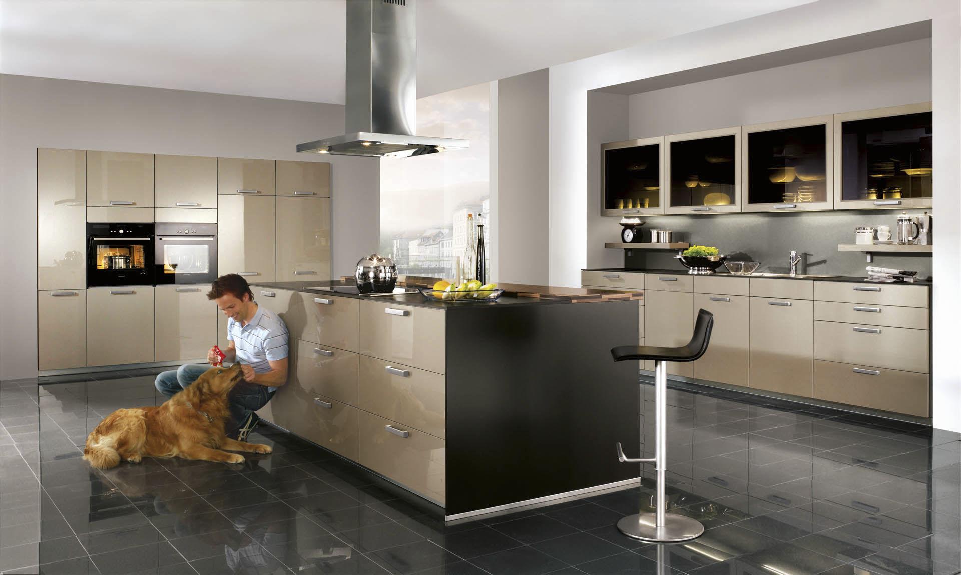 Cocina moderna / de madera / con isla / lacada - XENO 660 - nobilia