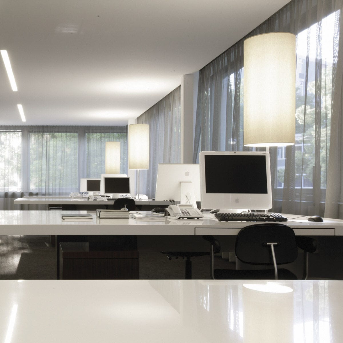 Lámpara de oficina / moderna / de aluminio / de tela - LA BELLA ...