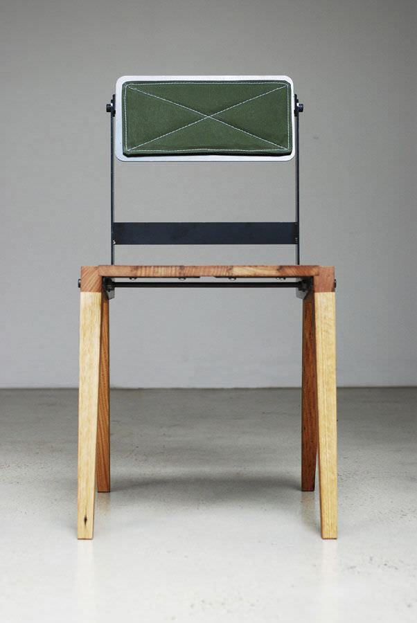 silla de diseo bauhaus de madera de frondosa de acero recuperada fold