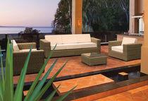 Sofá moderno / de jardín / de resina trenzada / 3 plazas