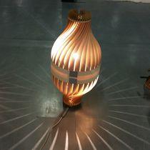 Lámpara de pie / de diseño original / de madera / de interior