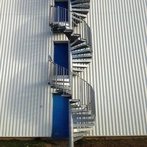 Escalera de caracol / con peldaños de metal / estructura de metal / sin contrahuellas