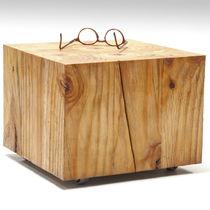 Mesa de centro moderna / de madera / cuadrada / de interior