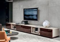 Aparador moderno / de madera / de madera lacada / de Rodolfo Dordoni