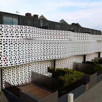 Revestimiento de fachada aluminio / lacado / perforado / de panel