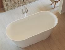 Bañera independiente / ovalada / de cerámica