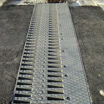 Junta de dilatación de acero / para la construcción de puentes / modulable