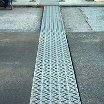 Junta de dilatación de elastómero / para la construcción de puentes / modulable