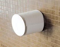 Dispensador de papel higiénico de pared / de latón / de cromo / profesional