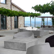 Mesa de centro moderna / de cemento / cuadrada / de jardín