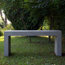 Mesa moderna / de cemento / rectangular / de jardín