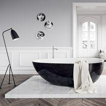 Bañera independiente / ovalada / de piedra