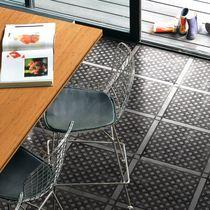Baldosa para pavimento / de cerámica / con motivos geométricos / lisa
