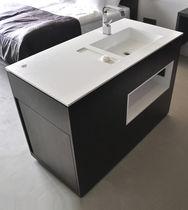 Mueble de lavabo de pie / de madera / moderno